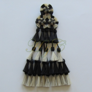 Mosquero Vaquero 30 Borlas Cerda Natural Color blanco y negro